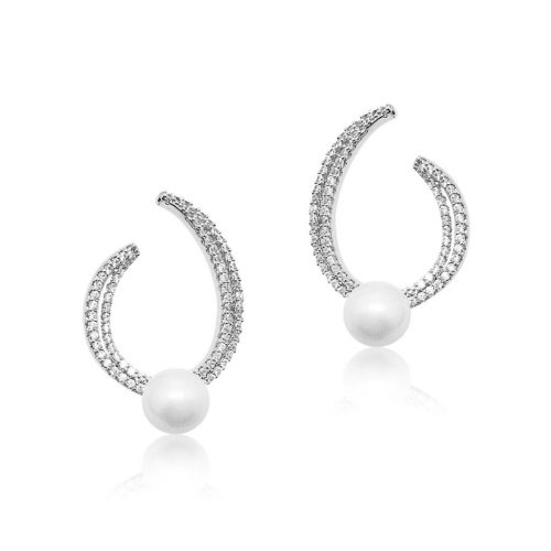 Unique bridal stud earring with pearl feature frons and back of ear.E334