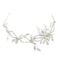 Grouped silver leav mixed with crystal, diamonte and pearl . Entwined together creating the perfect bridal headband. HB4082