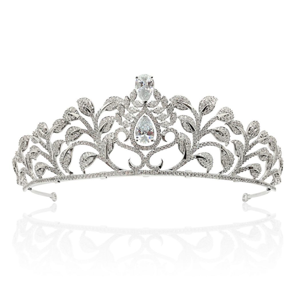 An eye catcher stunning crown perfect for the bride HT1802
