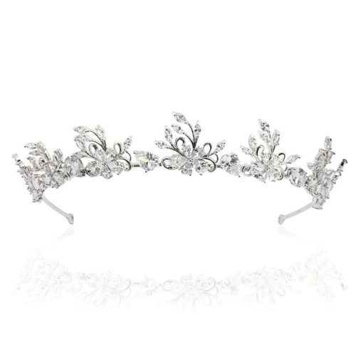 Bride who deserves her crystal crown HT1810