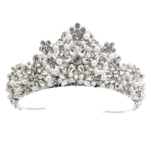 A beautiful crown for a stunning bride HTORRIE