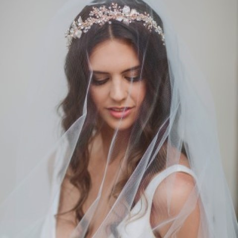 bridal veil worn over face (Small) (Small)