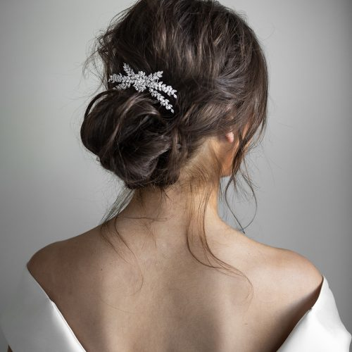 showing how to wear a crystal bridal comb
